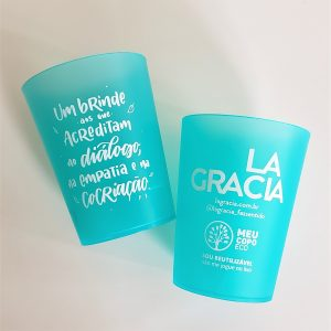 Copos reutilizáveis, parte da iniciativa da La Gracia de se tornar um negócio de impacto, com foco na sustentabilidade